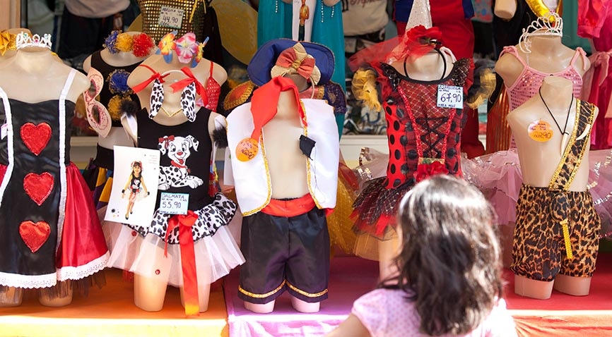 fe8ba433f Casa Turuna  loja tradicional de fantasias de carnaval na Saara